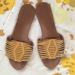 Madewell woven mustard sandals size 9